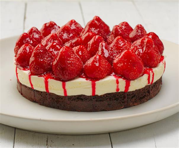 Brownie Strawberry Cheesecake