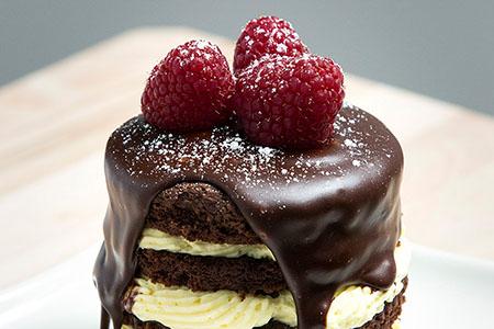Torten Dekorieren Kuchen Glasieren Und Backwaren Verzieren