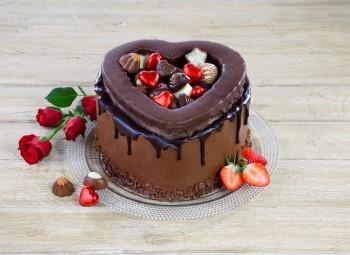 valentines  box cake 350px