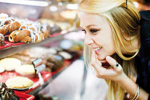 Choosing bakery products